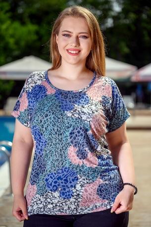 Блуза от горена вискоза с голо рамо (розов)
