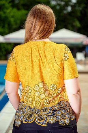 Свежа блуза с оригинален принт (жълт на цветя)